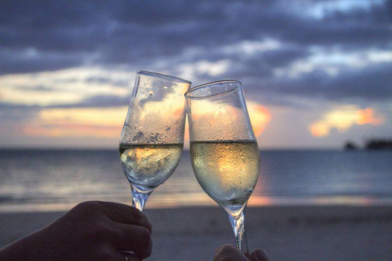 puesta sol champan